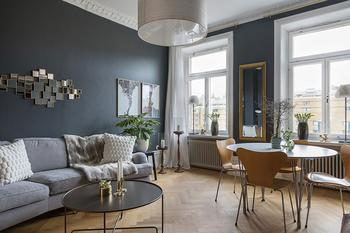 Глубокий синий и элегантные детали: квартира в Стокгольме