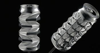 Баночку не выбрасывайте: американец делает из алюминиевых банок скульптуры за тысячи долларовю