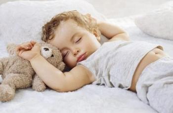 6 советов, которые помогут быстро уложить ребенка спать