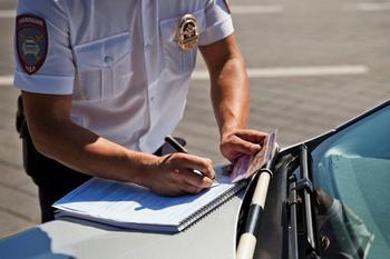 Как быть в ситуации, если инспектор ДПС забрал документы и долго не отдаёт их обратно