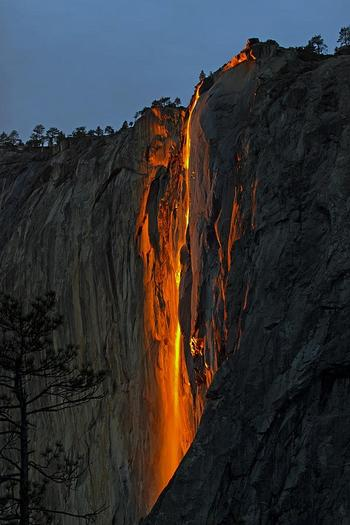 """Огненный водопад """"Лошадиный хвост"""", США"""