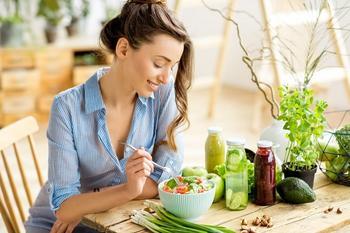 ТОП 10 продуктов, которые сжигают жир и выводят токсины