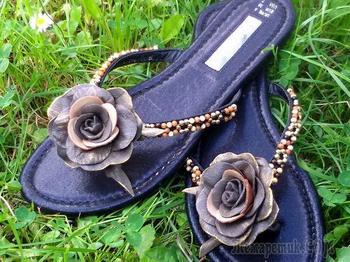 Декорируем пляжную обувь своими руками