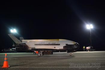 Космический самолет X-37B приземлился после 780-дневной загадочной миссии