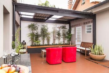 Красочный интерьер частного дома в Сан-Паулу