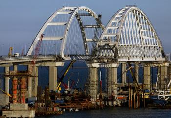 Охрана Крымского моста в 2018 году обойдется почти в 54 млн рублей