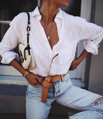 Джинсы с белой рубашкой: женственность и простота в одном образе