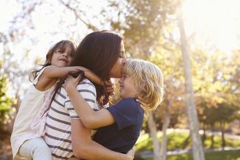 Почему нельзя переживать за детей: как избавиться от страхов за ребенка