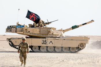 Что означают загадочные символы на американских танках в виде буквы V