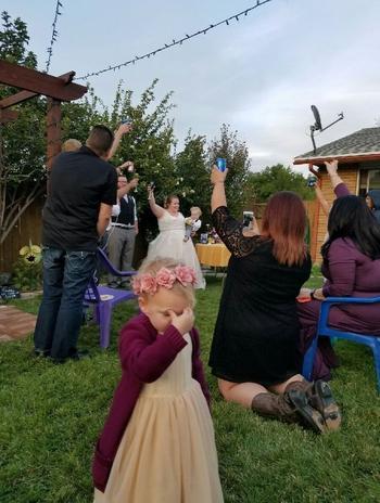 Смешные дети на свадьбе, которые ненавидят этот дурацкий взрослый праздник