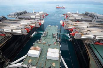 В Черном море началась прокладка глубоководного участка «Турецкого потока»