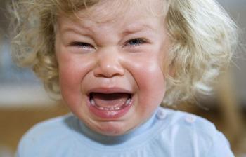 3 способа успокоить ребенка во время истерики