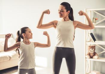 9 простых способов построить нерушимую связь с дочерью