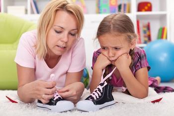 3 веселых и оригинальных способа научить ребенка завязывать шнурки