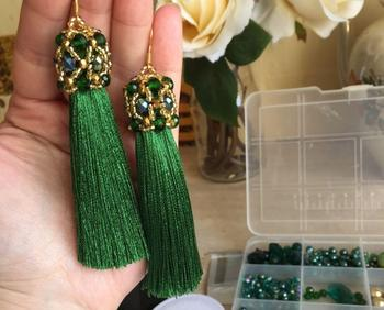 Серьги кисточки с плетением