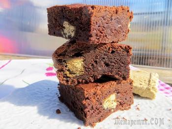 Такое сочетание халвы и шоколада, просто фантастика! Вкуснейший брауниз!