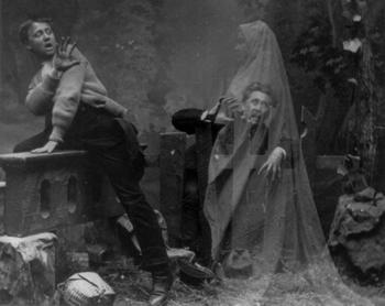 Когда призраки показывают свои человеческие останки
