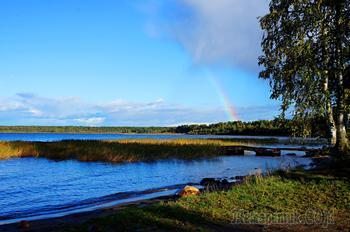 осенний вечер после дождя . Онежское озеро Карелия