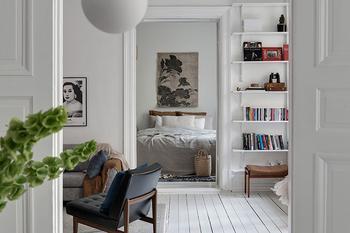 Белоснежная квартира в Гётеборге с теплыми и холодными акцентами