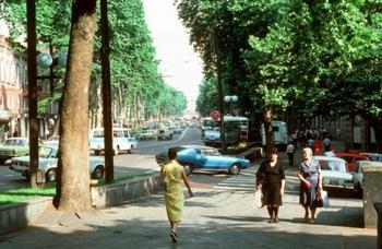 Очень разные города 1985 года