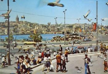 Стамбул — город контрастов: 30 цветных снимков уличной жизни 70-х годов