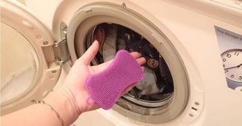 Зачем нужно класть в стиральную машинку силиконовую губку