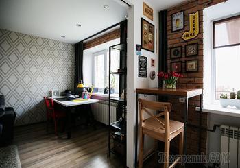 «Однушка» с мини-баром вместо кухни и черепом Микки