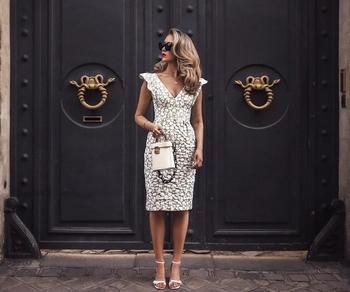 Неповторимые платья миди — идеальный фасон для женственных леди