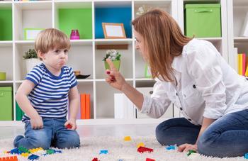 4 фразы, которые убивают самооценку вашего ребенка