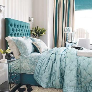 Необычное изголовье кровати в спальне своими руками