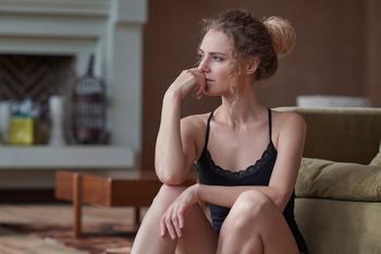 11 признаков, что отношения доводят одного из партнеров до депрессии