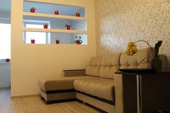 Перегородка в жилой комнате для разделения на спальню и гостиную