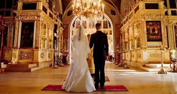 Нужно ли состоять в официальном браке, чтобы обвенчаться?