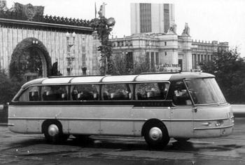 «Только джакузи не хватает»: туристические автобусы с особым комфортом, сделанные в СССР