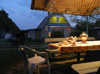 Дача: 15 соток с игровой площадкой, садом и прудами