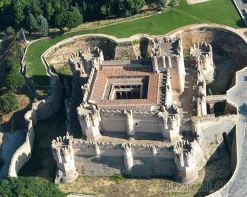Замок Кока в испанской Кастилия-Леон