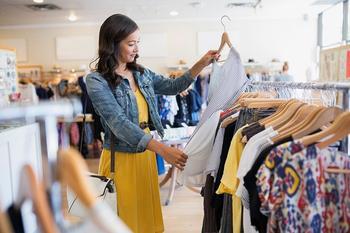Как сократить расходы на одежду и не выглядеть как деревенщина