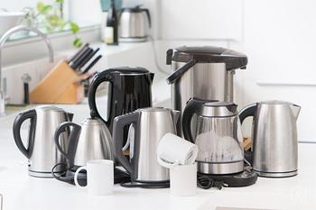 Как очистить электрический чайник от накипи: полезные лайфхаки