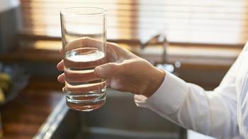 Возьмите за правило пить воду перед едой!