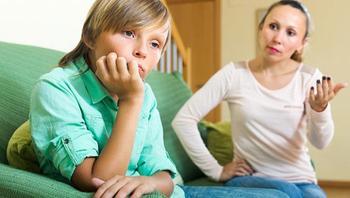 3 глупые ошибки, которые делают родители, разговаривая с подростком