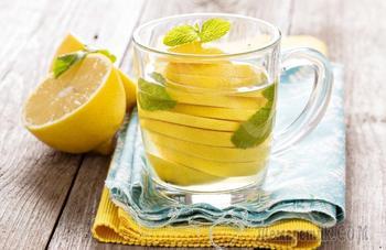 14 полезных свойств воды с лимоном