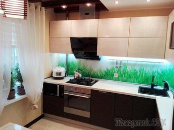 Потолочные балки, светильник хенд-мейд и дизайнерский холодильник на нашей кухне
