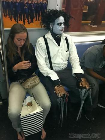 25 странных людей и необычных вещей, которые можно встретить в метро