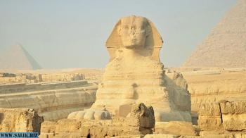 Египтолог рассказал о тайной двери под лапами Сфинкса, которую в 19 веке вывезли в Лувр