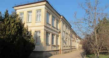 Не жалко даже детей: как в Севастополе добивают остатки медицины