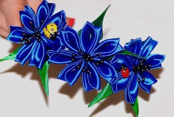 Плетем цветы из лент своими руками: фото и видео создания оригинальных поделок
