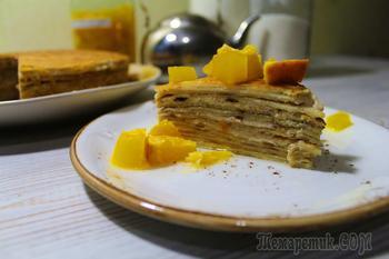 Блинный торт с очень вкусным карамельно-сметанным кремом.