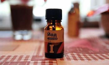 9 рецептов, которые помогут задавить фитофтору на дачном участке
