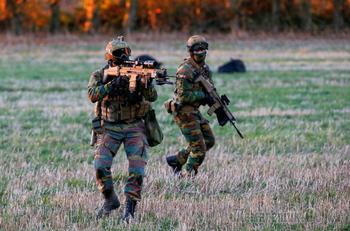 Военным НАТО из-за России придется опять учиться пользоваться компасом и картой