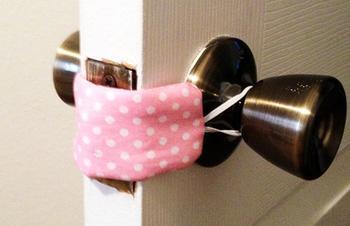 Как сшить съёмный уплотнитель для дверей своими руками